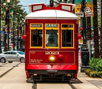 cropped-cropped-streetcar-in-new-orleans-699112771-592dcb643df78cbe7e6bd39a.jpg
